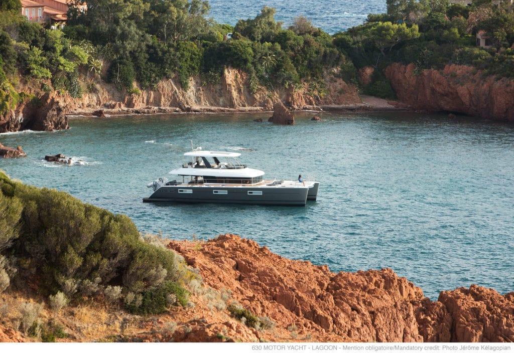 galux one catamaran profile (3) min -  Valef Yachts Chartering - 0479