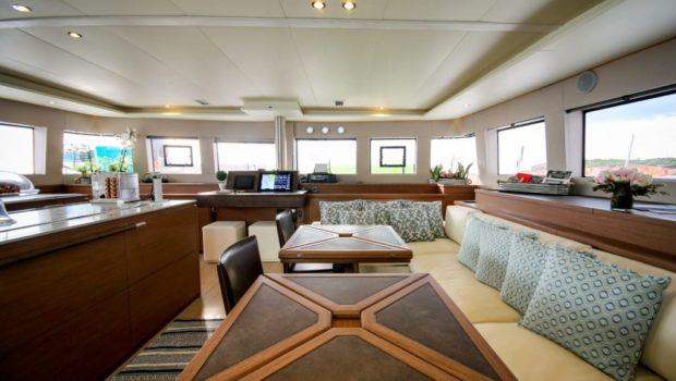 valium catamaran salon (1) min -  Valef Yachts Chartering - 0546