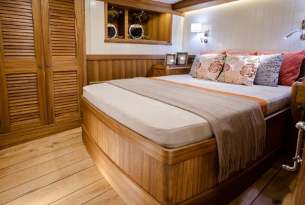 conrad malcolm miller sailing yacht cabins (1) min -  Valef Yachts Chartering - 0312