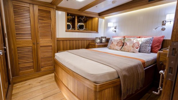 conrad malcolm miller sailing yacht cabins (2) min -  Valef Yachts Chartering - 0311