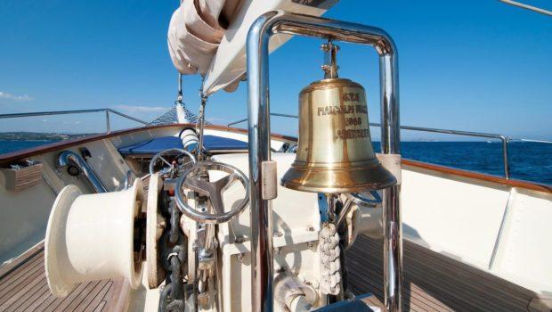 conrad malcolm miller sailing yacht deck (2) min -  Valef Yachts Chartering - 0309