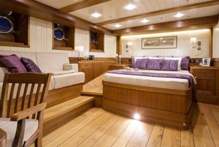 conrad malcolm miller sailing yacht master (1) min -  Valef Yachts Chartering - 0322