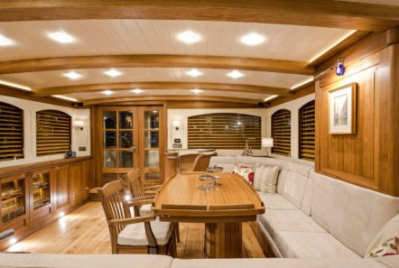 conrad malcolm miller sailing yacht salon min -  Valef Yachts Chartering - 0318