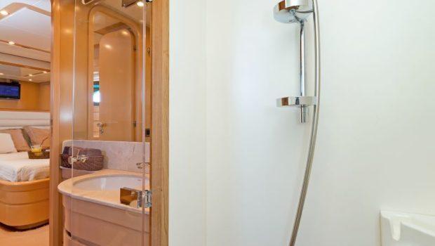 lettouli iii motor yacht bathroom (1) min -  Valef Yachts Chartering - 0390