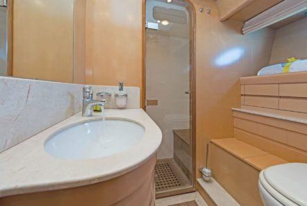 lettouli iii motor yacht bathroom (2) min -  Valef Yachts Chartering - 0389