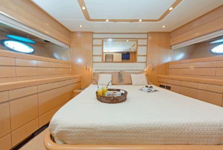 lettouli iii motor yacht master cabin (2) min -  Valef Yachts Chartering - 0363