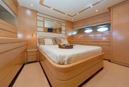 lettouli iii motor yacht master cabin (4) min -  Valef Yachts Chartering - 0361