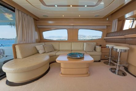 lettouli iii motor yacht salon (4) min -  Valef Yachts Chartering - 0357