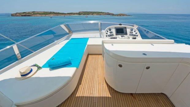 lettouli iii motor yacht sundeck (4) min -  Valef Yachts Chartering - 0401
