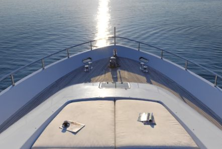 ruby motor yacht fore min -  Valef Yachts Chartering - 0349