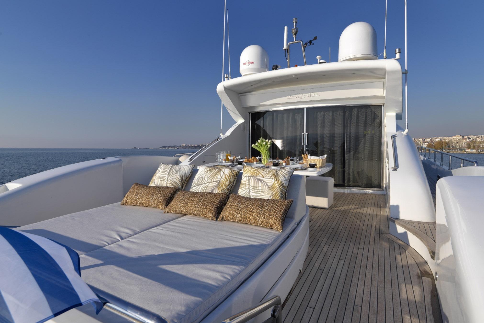 ruby motor yacht lounge min -  Valef Yachts Chartering - 0332