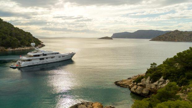 jazz motor yacht bay min -  Valef Yachts Chartering - 0151