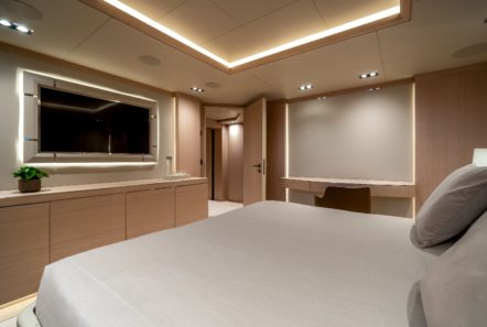 jazz motor yacht cabins baths (2) min -  Valef Yachts Chartering - 0149