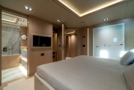 jazz motor yacht cabins baths (5) min -  Valef Yachts Chartering - 0146