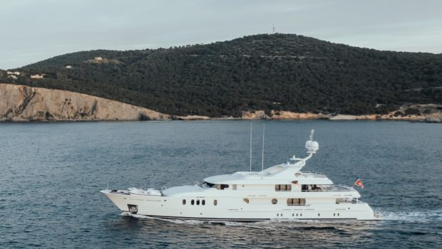 jazz motor yacht exteriors (6) min -  Valef Yachts Chartering - 0127