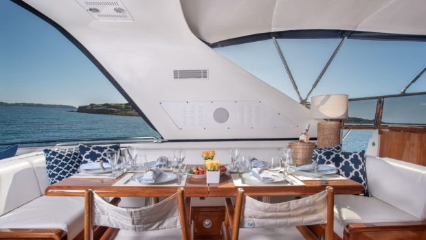 turn on motor yacht aft table (2) -  Valef Yachts Chartering - 0169