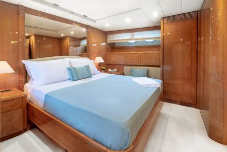 turn on motor yacht master suite (3) -  Valef Yachts Chartering - 0208