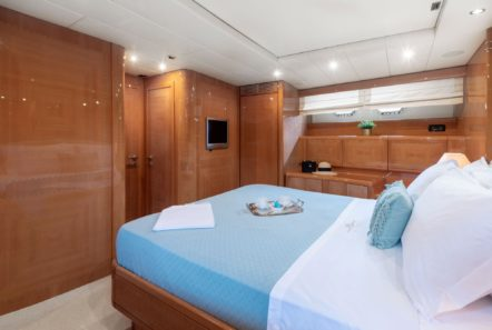 turn on motor yacht master suite (4) -  Valef Yachts Chartering - 0207