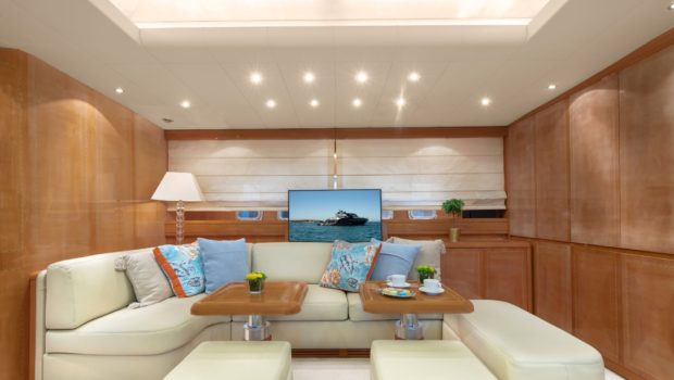 turn on motor yacht salon (1) -  Valef Yachts Chartering - 0194