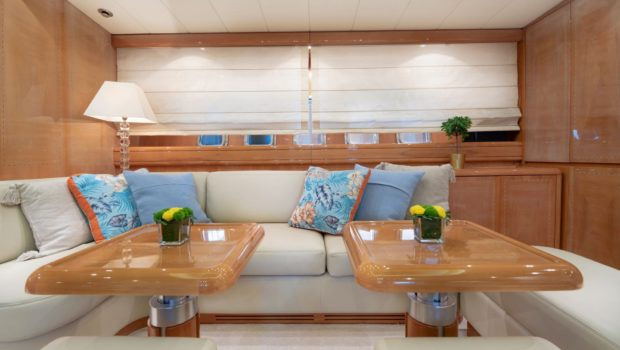 turn on motor yacht salon (3) -  Valef Yachts Chartering - 0192