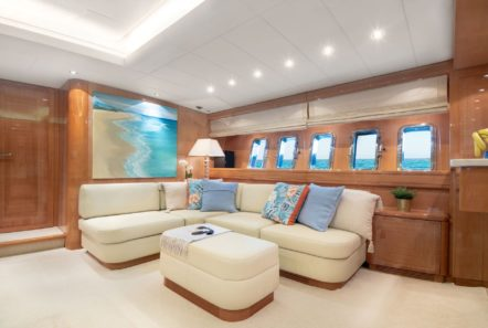 turn on motor yacht salon full (1) -  Valef Yachts Chartering - 0191