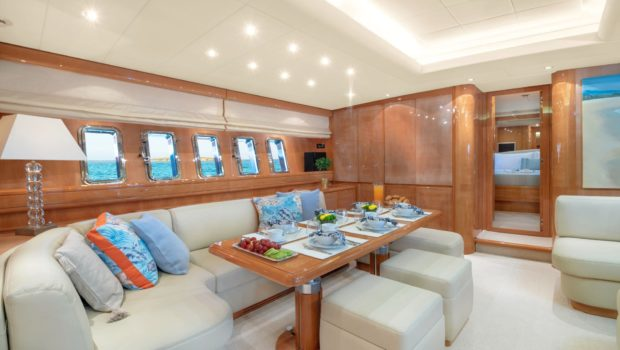 turn on motor yacht salon full (2) -  Valef Yachts Chartering - 0190
