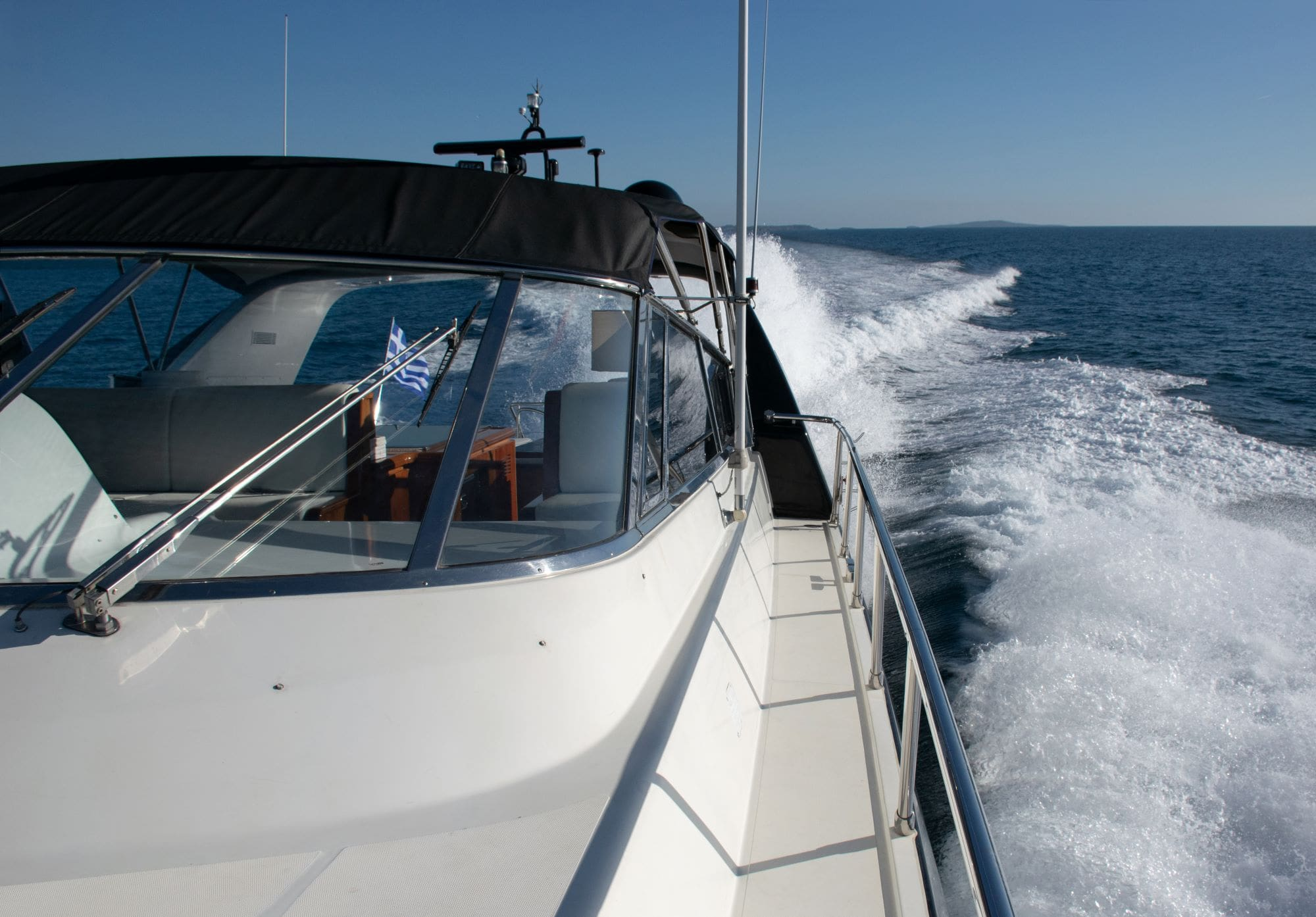 turn on motor yacht side -  Valef Yachts Chartering - 0185