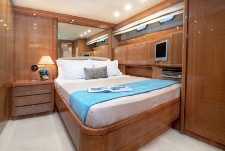turn on motor yacht vip suite -  Valef Yachts Chartering - 0178