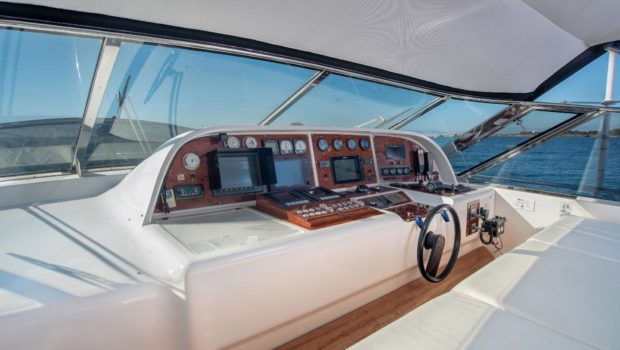 turn on motor yacht wheel house -  Valef Yachts Chartering - 0177