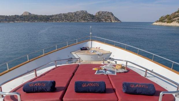 glaros motor yacht bow (1) min -  Valef Yachts Chartering - 0030
