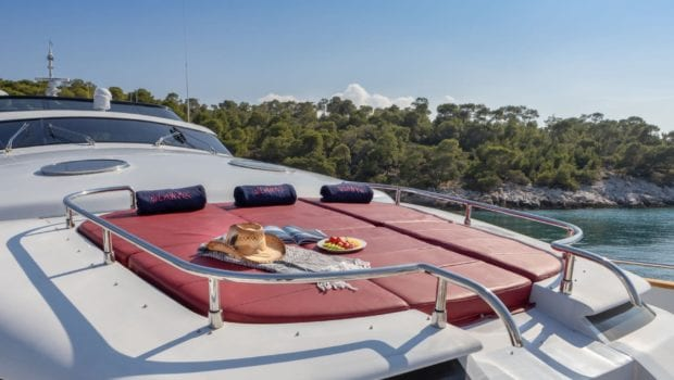 glaros motor yacht bow (2) min -  Valef Yachts Chartering - 0029