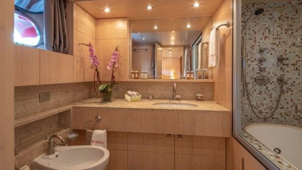 glaros motor yacht master bath min -  Valef Yachts Chartering - 0049