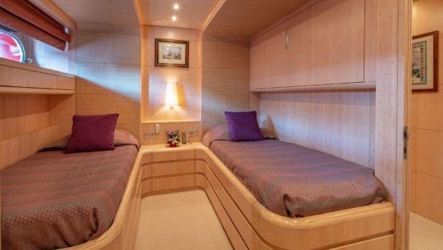 glaros motor yacht twins (2) min -  Valef Yachts Chartering - 0037