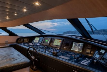 glaros motor yacht wheelhouse min -  Valef Yachts Chartering - 0034