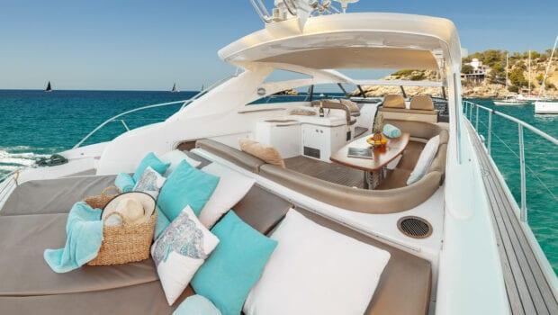 aurelia motor yacht aft salon (1) -  Valef Yachts Chartering - 0004