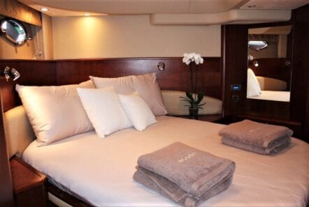 aurelia motor yacht bed min -  Valef Yachts Chartering - 0002