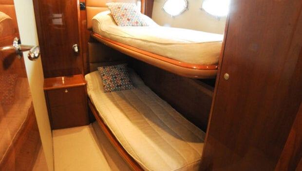 motor yacht Aurelia bunk