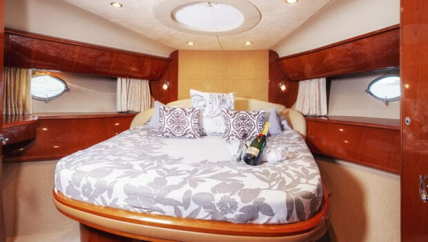 aurelia motor yacht double cabin (1) min -  Valef Yachts Chartering - 0015