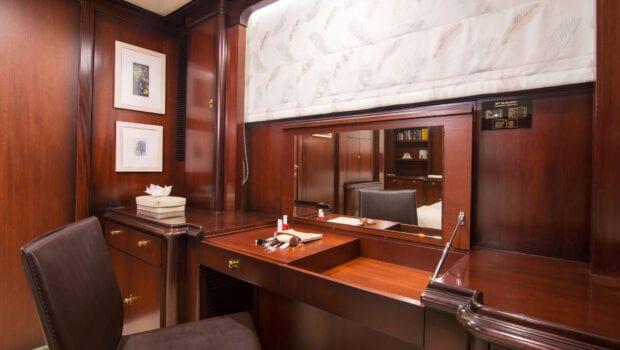 Suncoco-motor-yacht-master-suite (1)-min