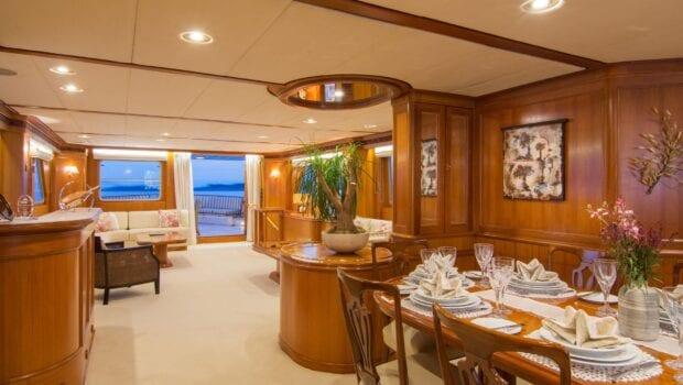Suncoco-motor-yacht-salon (4)-min