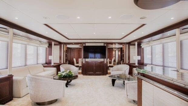 akira-one-motor-yacht-main-salon
