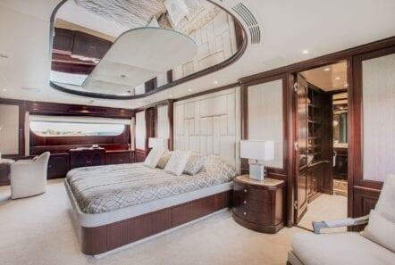 akira-one-motor-yacht-master-suite