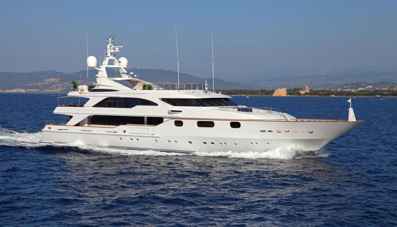 profile of yacht