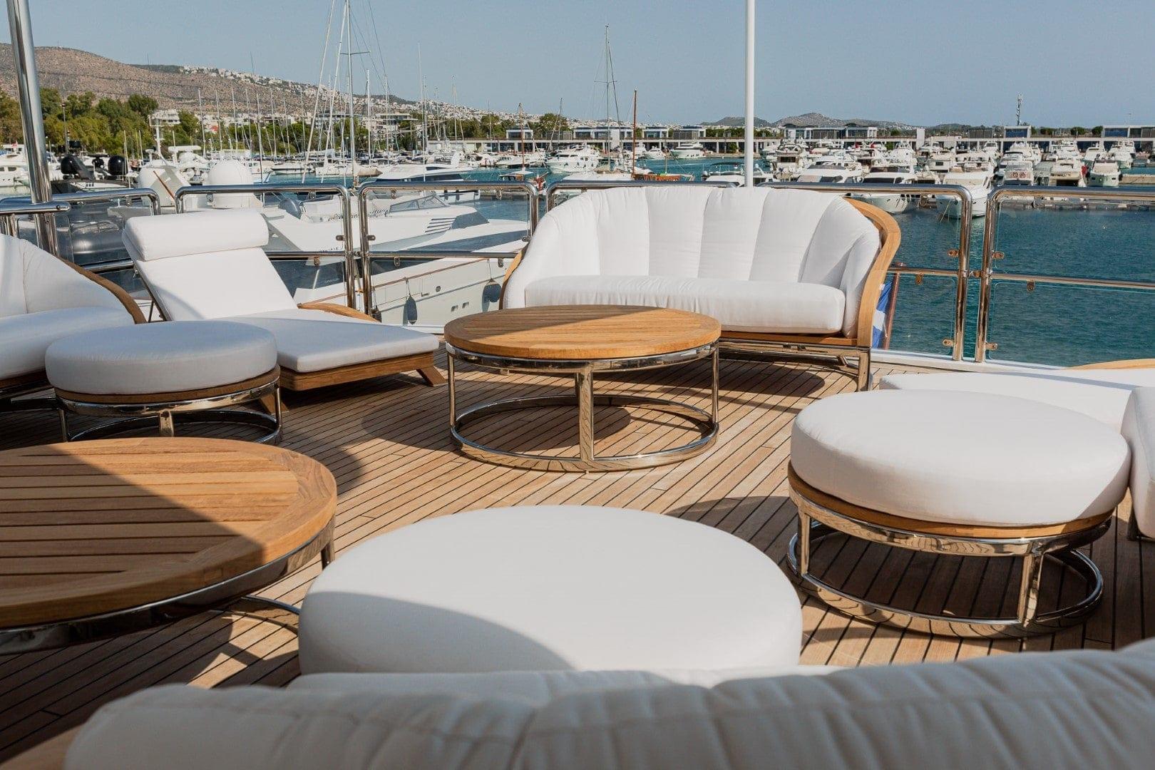 akira-one-motor-yacht-sun-deck