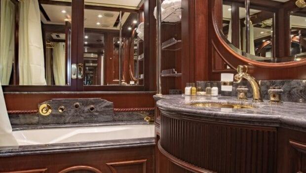 akira-one-motor-yacht-vip-suite-lower-deck