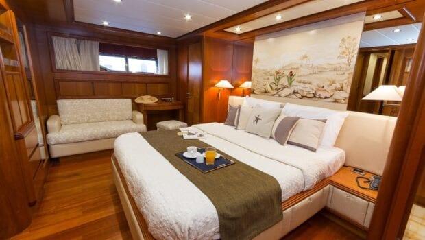 alfea-motor-yacht-master-cabin (1)-min