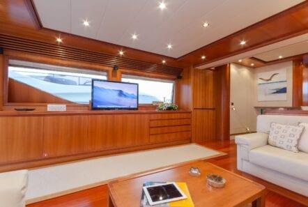 alfea-motor-yacht-salon (1)