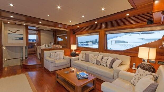 alfea-motor-yacht-salon (3)-min