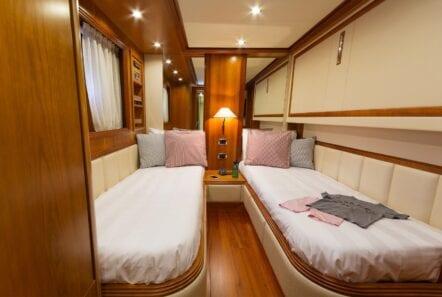 alfea-motor-yacht-twin-cabin (2)-min