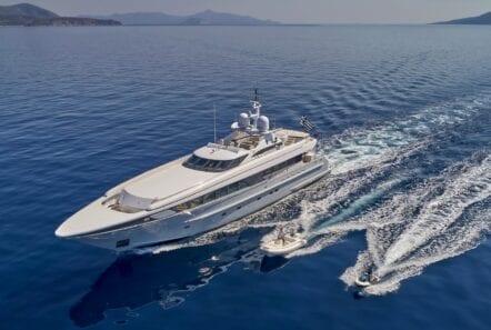 alma-motor-yacht-profile (7)-min